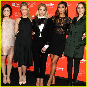'Pretty Little Liars' Cast Presents Finale at NYC Live Read!