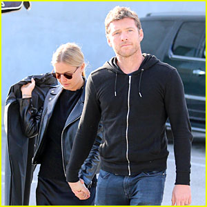 Sam Worthington & Lara Bingle Aren't Afraid to Show They're in Love!