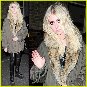 Final, sorry, taylor momsen tampon string join told