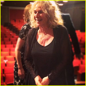 Carole King Surprises Cast at 'Beautiful' on Broadway, Sings at Curtain Call!