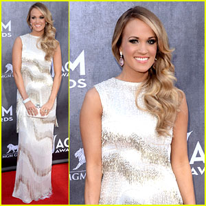 Carrie Underwood Shimmers & Shines at ACM Awards 2014!