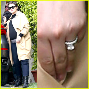Pregnant Ginnifer Goodwin Steps Out with Wedding Ring & Husband Josh Dallas!