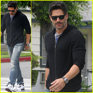 Joe Manganiello Sports Sexy Scruff at Lunch in Los Angeles