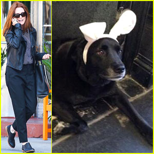 Julianne Moore's Dog Has a Very Special Holiday Message!