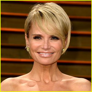 Kristin Chenoweth Will Be Inducted Into the Hollywood Bowl Hall of Fame!