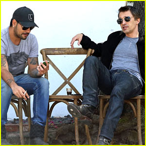 Olivier Martinez Gets in Some Guy Time with Eduardo Cruz!
