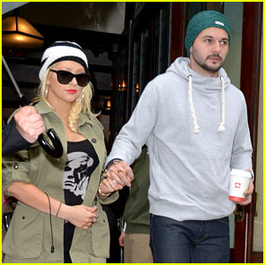 Pregnant Christina Aguilera Steps Out with Fiance Matthew Rutler in New York City!