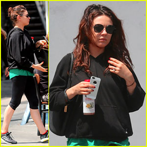 Pregnant Mila Kunis Feeds Her Cravings After Pilates Class