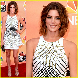 Ashley Greene Is White Hot at iHeartRadio Music Awards 2014