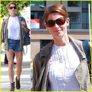 Ashley Greene 'Wasn't Disappointed' By Zac Efron's 'Neighbors'