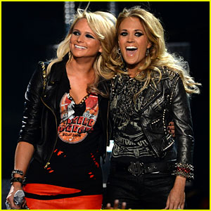 Carrie Underwood & Miranda Lambert Perform 'Somethin' Bad' at Billboard Music Awards 2014!