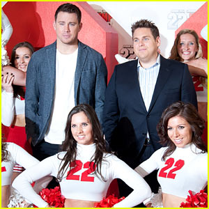 Channing Tatum & Jonah Hill Are Surrounded By Cheerleaders for '22 Jump Street' Photo Call!