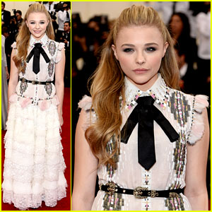 Chloe Moretz Proclaims Herself the Shortest Girl at Met Ball 2014