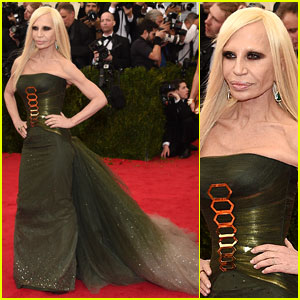Donatella Versace Goes Green for Met Ball 2014 Red Carpet