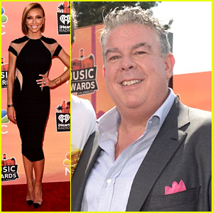 Giuliana Rancic & Elvis Duran Host the Red Carpet at iHeartRadio Music Awards 2014!