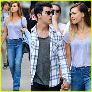 Joe Jonas & Blanda Eggenschweiler Enjoy the Sunny Spring Weather in NYC!