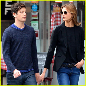Karlie Kloss & Boyfriend Joshua Kushner Are a NYC Denim Duo!