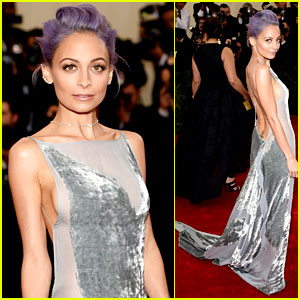 Nicole Richie Flashes Some Side Boob at Met Ball 2014