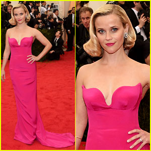 Reese Witherspoon is a Hot Pink Bombshell on Met Ball 2014 Red Carpet