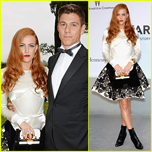 Riley Keough's Arm Candy at amfAR Gala 2014? Boyfriend Ben Smith-Petersen!