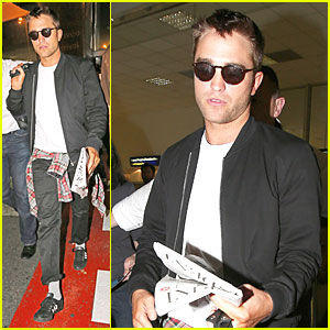 Robert Pattinson Flies to Nice to Promote 'Maps to the Stars' at Canne