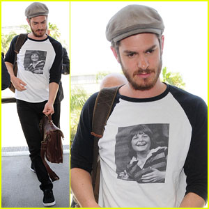 Andrew Garfield is a Huge Michael J. Fox Fan & Proves It By Wearing His Face on a T-Shirt