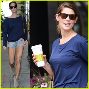 Ashley Greene Takes Advantage of Clear Weather in NYC!