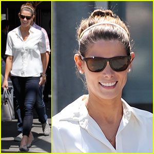 Ashley Greene Grabs Lunch with Cara Santana!
