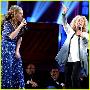 Carole King Joins Jessie Mueller for 'Beautiful' Performance at Tony Awards 2014! (Video)