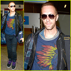 Chris Martin Cut His Nose On a Plane in Australia
