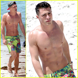 Arrow's Colton Haynes Flaunts Six Pack Abs at the Beach!