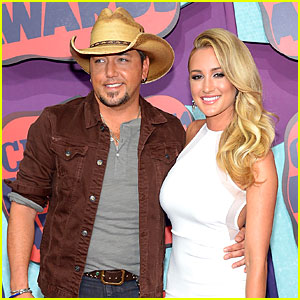 Jason Aldean & Girlfriend Brittany Kerr Make First Red Carpet Appearance at CMT Music Awards 2014!