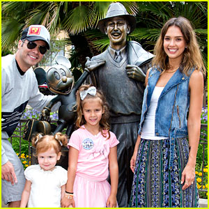 Jessica Alba Celebrates Honor's Sixth Birthday at Disneyland!
