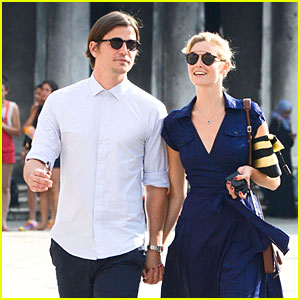Josh Hartnett & Tamsin Egerton Are So Lovey Dovey in Venice!