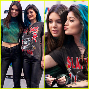 Kendall & Kylie Jenner Get Photo Ready Promoting Their New Book!