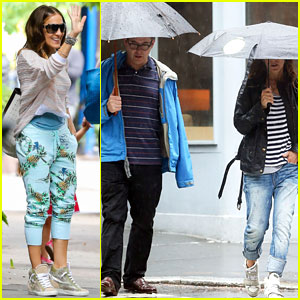 Sarah Jessica Parker & Matthew Broderick Take a Stroll in the Rain!