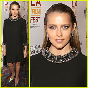 Teresa Palmer Is So Slick at 'Cut Bank' Screening!