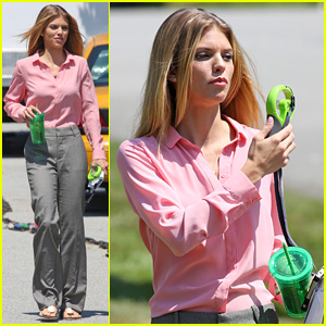 AnnaLynne McCord Tries to Beat the Heat on 'Photographs' Set