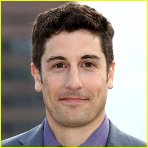 Jason Biggs Apologizes After Making an MH17 Plane Crash Joke