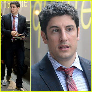 Jason Biggs Apologizes Again for His Malaysia Airlines Tweet