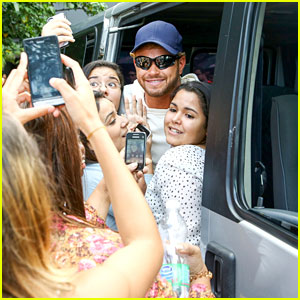 Kellan Lutz Gets Swarmed by Fans Before Final World Cup Game!