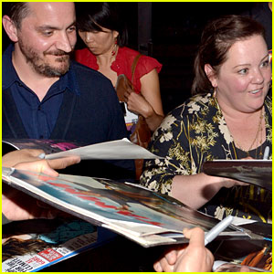 Melissa McCarthy Gets Swarmed by Fans at 'Tammy' Screening!