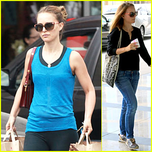 Natalie Portman's Toned & Strong Arms Are On Full Display at Grocery Store