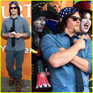 Walking Dead's Norman Reedus Judges a Comic-Con Cosplay Contest!
