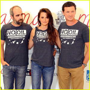 Penelope Cruz Rocks Wet Hair Look, Advocates for Canary Islands at 'Ma Ma' Spain Photo Call