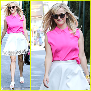 Reese Witherspoon Channels 'Legally Blonde' Character Elle Woods For Lunch