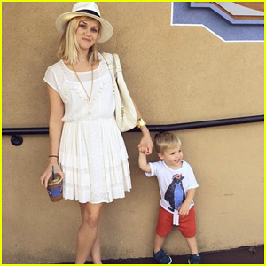 Reese Witherspoon Shares Adorable Photo with Son Tennessee!