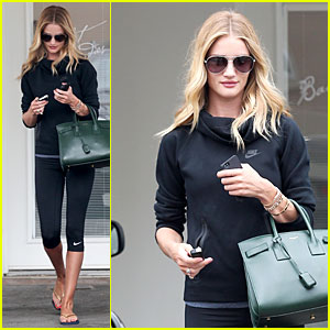 Rosie Huntington-Whiteley Is Comfortable in Own Skin to Share Life on Social Media