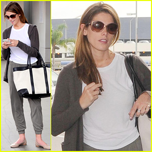 Ashley Greene Flies Back to L.A. After Nikki Reed Reunion