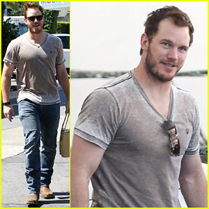 Chris Pratt Gives Tour of Star-Lord's Ship Like on 'MTV Cribs'